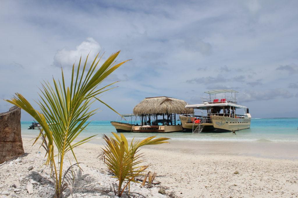 タヒチ ボラボラ島 海 船