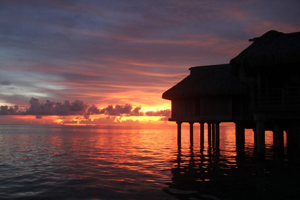 タヒチ ボラボラ島 夕日